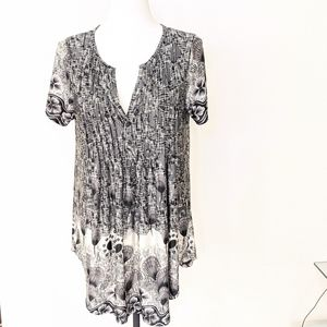 SIMPLY ASTER   Large long black/white top